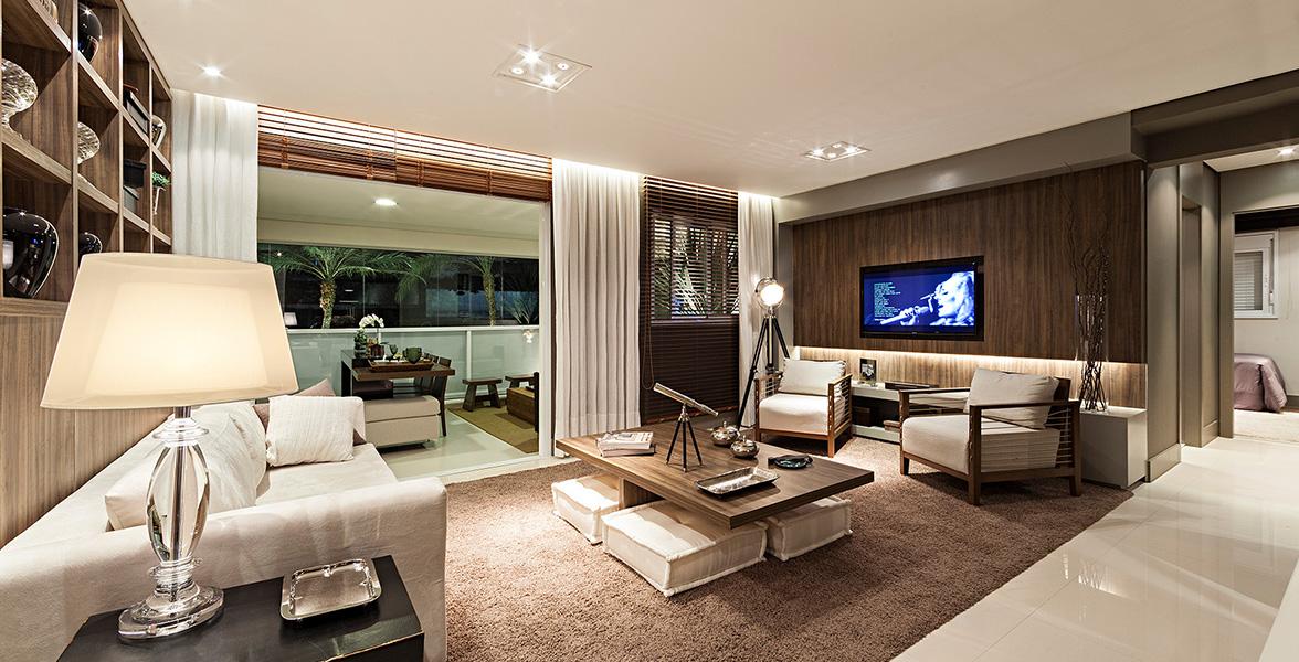 LIVING AMPLIADO do apto de 111 m² bastante confortável, tem mais de 5 m de boca de sala do New Parker