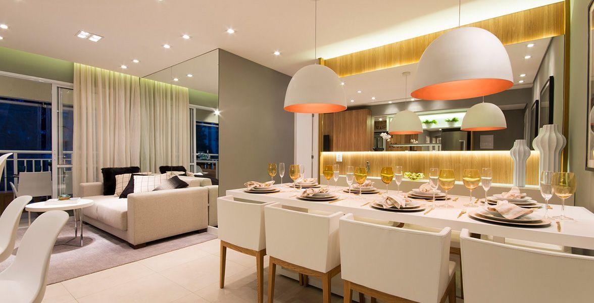 LIVING do apto de 96 m² com reservado espaço para a mesa de jantar.