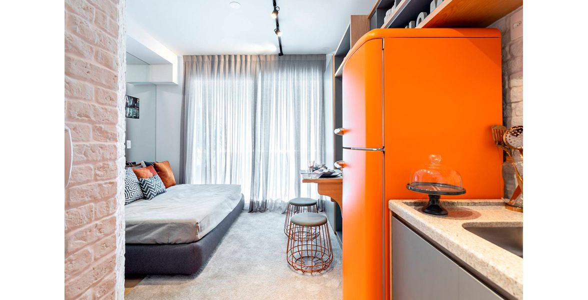 STUDIO de 22 m² com porta com tratamento acústico e fechadura eletrônica. Tem infraestrutura para ar-condicionado.