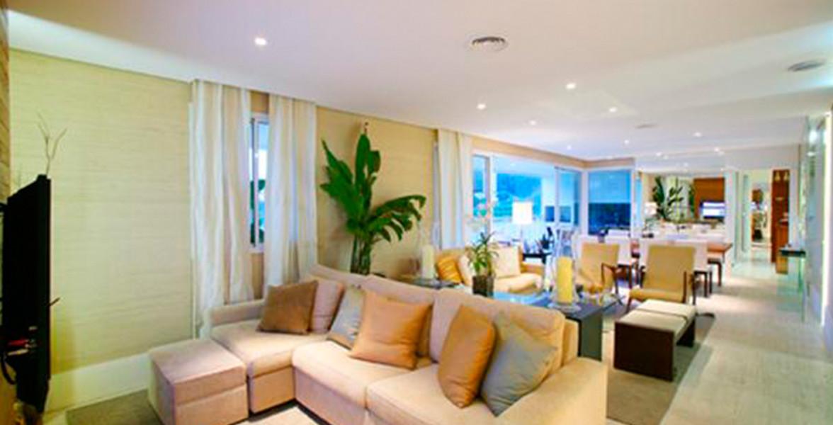 LIVING do apto de 177 m² com um Sala de TV reservada.