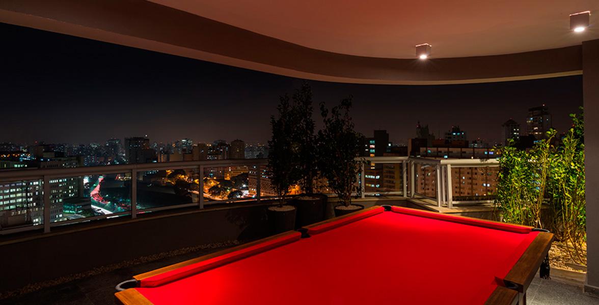 SALÃO DE FESTAS com sinuca no terraço, além da maravilhosa vista panorâmica.