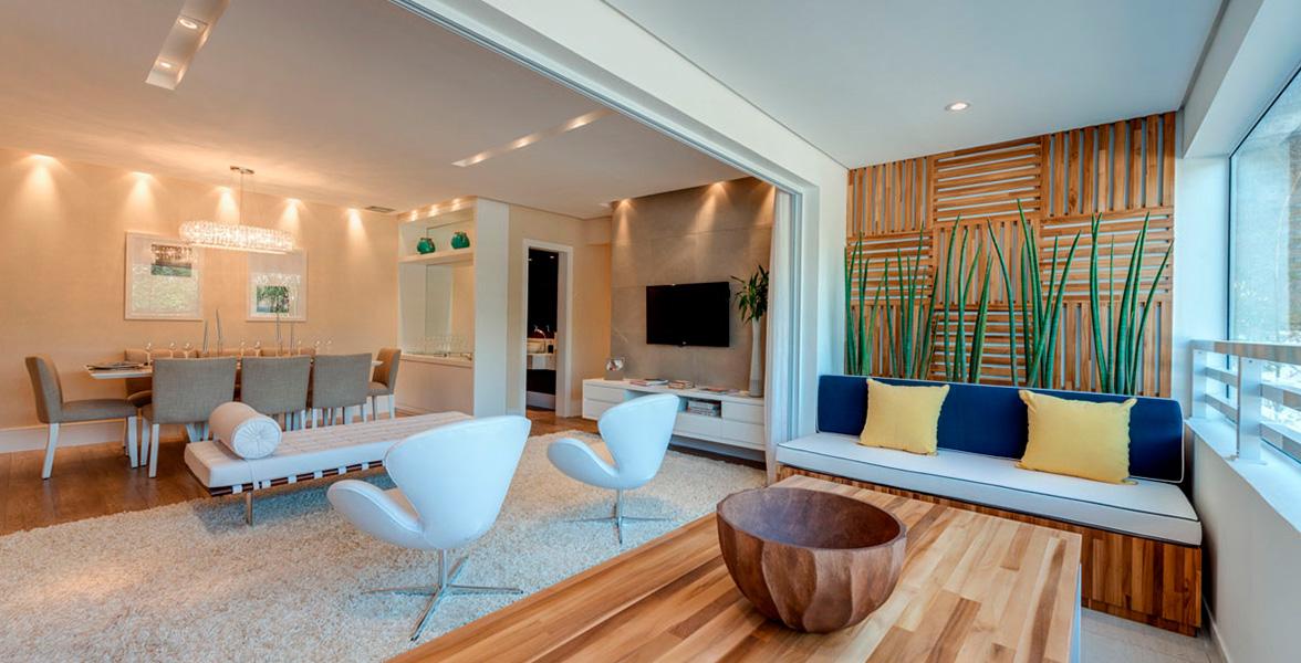 TERRAÇO do apto de 105 m² com amplos caixilhos, que melhoram muito a integração com o living e a circulação.