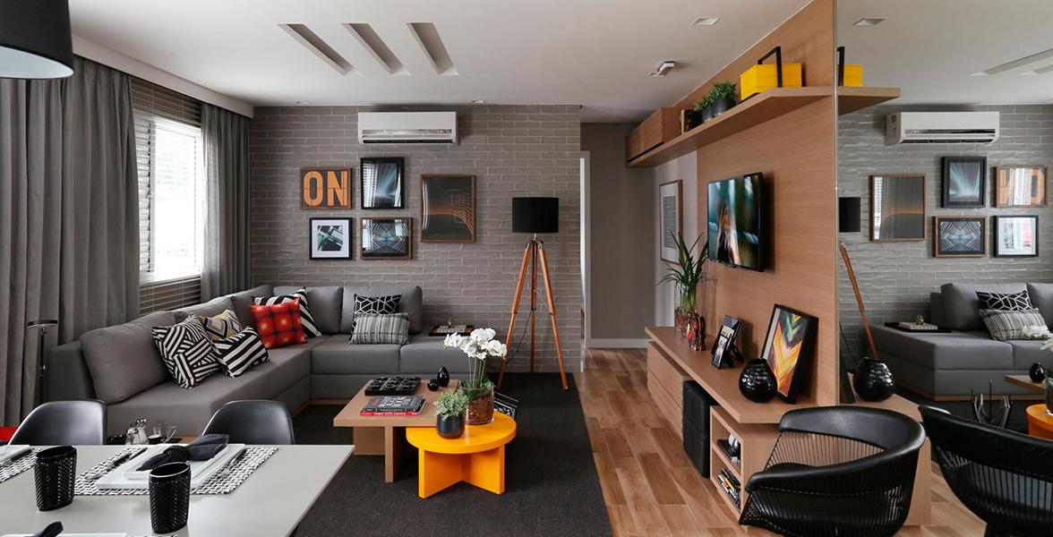 SALA AMPLIADA com espaços confortáveis que possibilitam boa circulação.