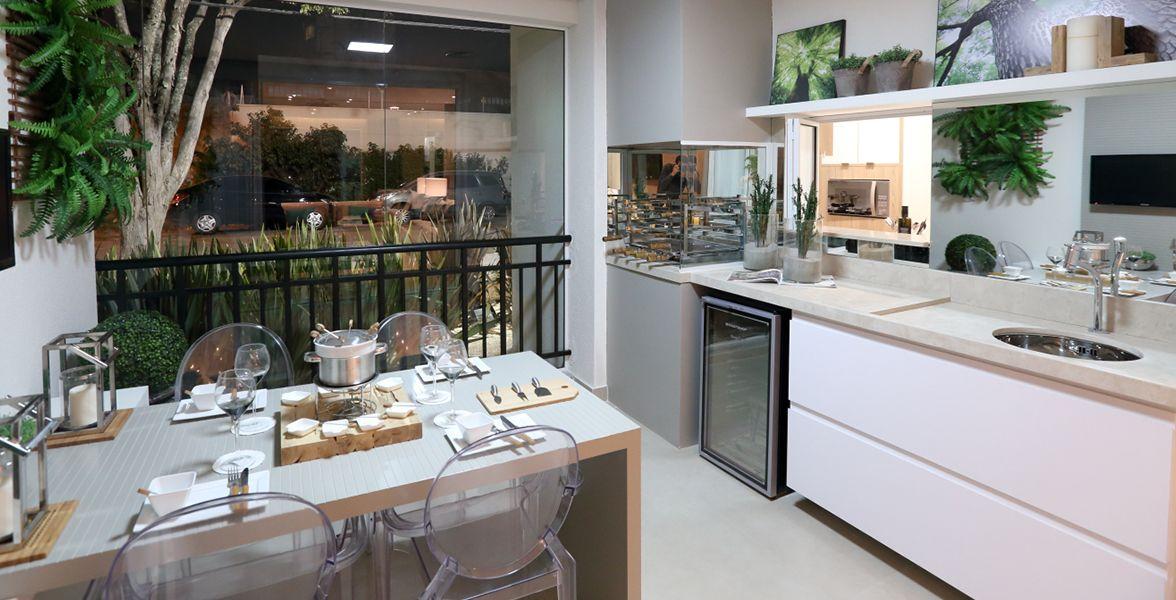 TERRAÇO do apto decorado de 82 m² com bastante espaço, tonando-o mais social, podendo até trazer sua mesa de jantar do Eléve Jundiaí