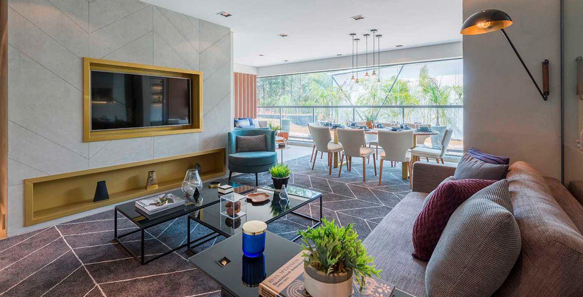 LIVING do apto de 77 m² com boca de sala com mais de 4 metros proporcionando total integração com o terraço.