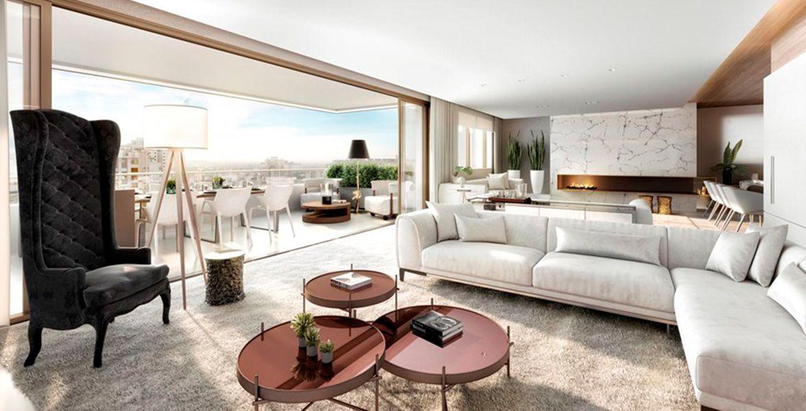 LIVING do apto de 291 m² com infra para ar-condicionado e revestimento em pedra. Ambiente com contra piso acústico, lareira, hall privativo e lavabo.