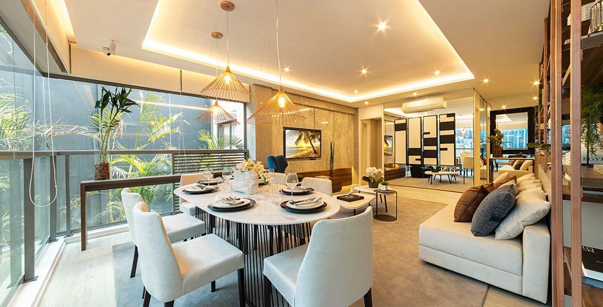 TERRAÇO do apto de 85 m² completamente integrado com o living, com amplo caixilho, possibilitando maior entrada de luz natural.