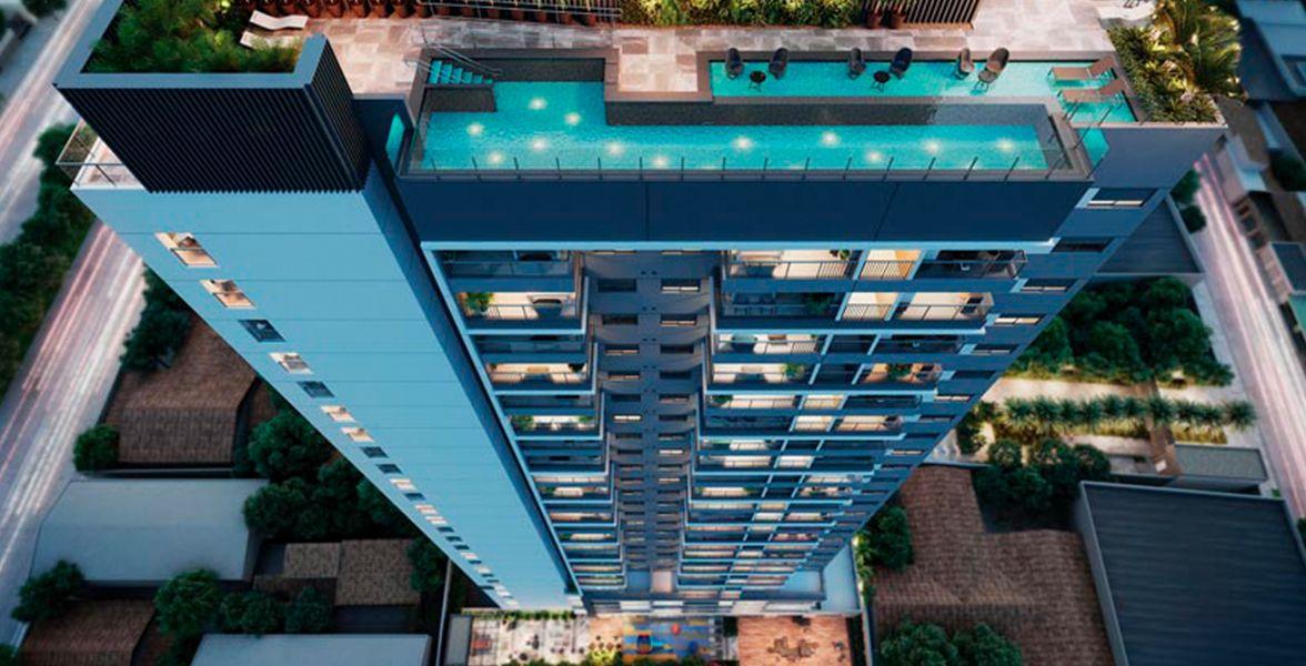 VOO ROOFTOP exclusivo para as unidades residenciais. Área de lazer com mais de 6 itens, com destaque para luxuosa piscina com iluminação de led, deck molhado e solarium.
