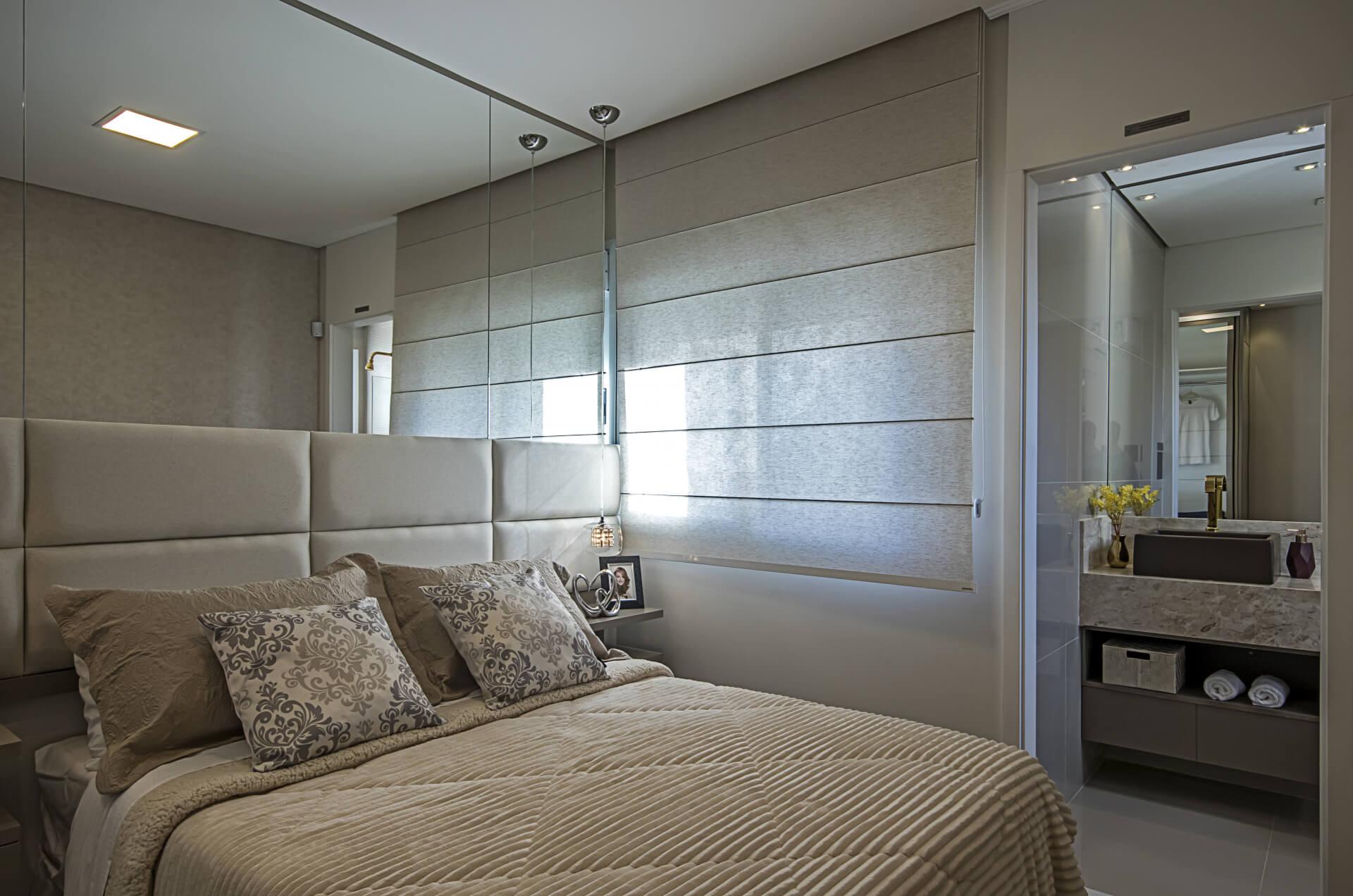 SUÍTE MASTER do apto de 58 m² com infra para ar-condicionado e janela com persiana de enrolar, proporcionando conforto térmico e maior controle da quantidade de luz natural dentro do dormitório.