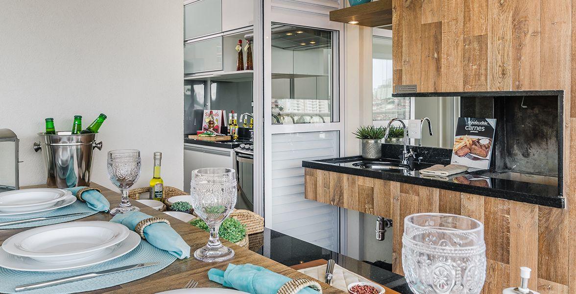TERRAÇO GOURMET com churrasqueira do apto decorado de 105 m².