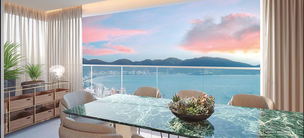 VARANDA do apto de 197 m² com mais de 6 metros de frente e vista limpa para Meia Praia.